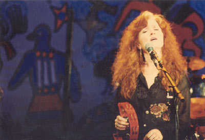 bonnie raitt at native american benefit