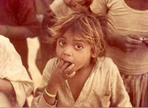 Starving child in India
